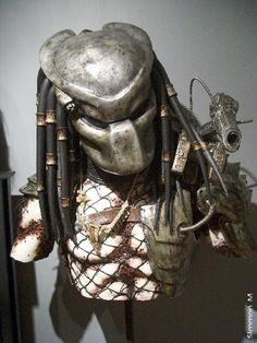 Predator (1987) movie props Predator torso w Bio helmet
