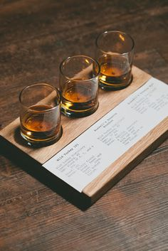 Some beautiful photographs of the whiskey flight presentation at Bub City, by the talented Anjali Pinto . Whisky Bar, Whisky Tasting, Whiskey Drinks, Wine Tasting Room, Bourbon Whiskey, Cafe Bar, Whiskey Room, Bar A Vin, Root Beer