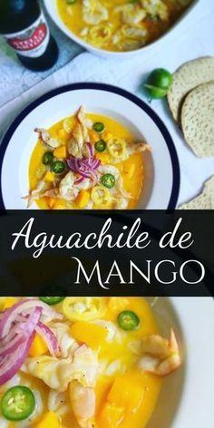 Aguachile de Mango // Camarones en jugo de limón y mango, rodajas de cebolla morada y chiles, servidos con trocitos de mango picado.