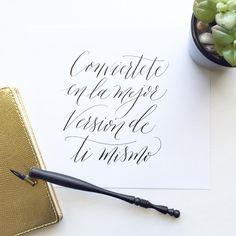 Frase Inspiradora - Conviertete en la mejor versión de ti mismo. #frase #frasedeldía #frasemotivacional