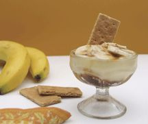 Banana pudding - Bananas are a great energy source as well as high in fibre and potassium. This snack also includes milk and very little fat, so it's good for the whole family. The key to this recipe is using ripe bananas. The skin should be yellow with little brown specks.