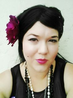 Winehouse inspired bump with magenta flower and lips. Magenta Flowers, Bump, Vintage Inspired, Wigs, My Style, Makeup, Inspiration, Fashion, Hair Wigs