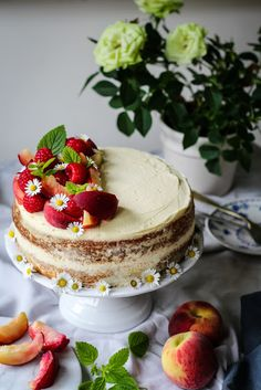 The Spoon and Whisk: Raspberry, Peaches and Mascarpone Cream Cake