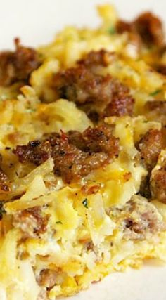 Sausage Hash Brown Breakfast Casserole - Sausage Hashbrown Breakfast Casserole…this would be good with spaghetti squash instead of hash br - Breakfast Items, Breakfast Dishes, Best Breakfast, Breakfast Recipes, Breakfast Quiche, Bacon Breakfast, Breakfast Quesadilla, Breakfast Burritos, Breakfast Scramble Recipe