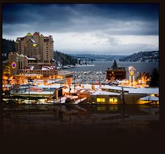 Idaho Lake Coeur d' Alene . even beautiful in the winter North Dakota, North Carolina, Couer Dalene Idaho, Places To Travel, Places To See, Moving To Idaho, Coeur D Alene Resort, Hawaii, Coeur D'alene