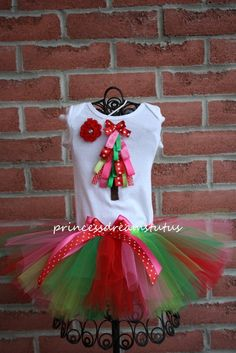 ribbon christmas tree tee