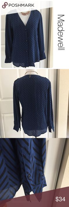 Madewell like new 100% silk blouse xs ♦️ Excellent condition. No stains, holes. ♦️materials- 100% silk ♦️Measurements: ♦️Underarm to underarm flat across is approximately 18 inches    ♦️Back of neck to bottom of front hem is approximately 29 inches Madewell Tops Blouses
