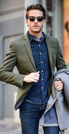 Jaqueta Verde Militar. Macho Moda - Blog de Moda Masculina: Jaqueta Verde Militar Masculina: Pra Inspirar e Onde Encontrar. Moda Masculina, Roupa de Homem, Inverno Masculino 2017, Jaqueta masculina. Blazer Verde Militar, Camisa Jeans, Óculos Clubmaster
