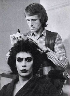 "cultfilms: "" the rocky horror picture show - behind the scenes tim curry getting his hair and make up done 1975 "" Rocky Horror Show, Tim Curry Rocky Horror, The Rocky Horror Picture Show, Chroma Key, The Frankenstein, Bon Film, Gene Kelly, Portraits, Scene Photo"