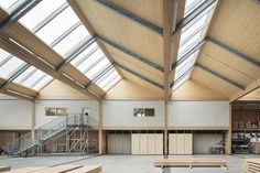 Image 3 of 16 from gallery of Vitsœ HQ and production building / Vitsœ and Martin Francis. Photograph by Dirk Lindner