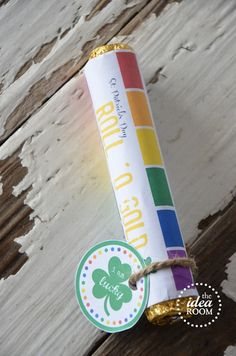 St. Patrick's Day gift idea with free printables | theidearoom.net