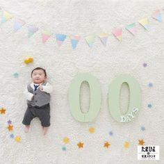近年、ベビーの100日アートのクオリティの上昇率が・・・衣装、アイデア共に半端では有りません!世の中、愛でいっぱいのクリエイターであふれていますね!!