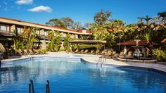 Es la piscina en San José, Costa Rica. Es grande y bonita.