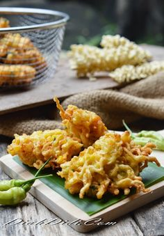 Diah Didi's Kitchen: Bakwan Jagung & Mie