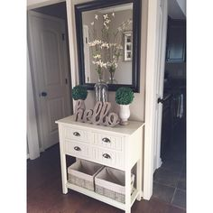 Loving the little green tree decor . Loving the little green tree decor . The post Table deocrations. Loving the little green tree decor . 2019 appeared first on Entryway Diy. Home Living Room, Living Room Decor, Formal Living Rooms, Hallway Decorating, Decorating Ideas, Home And Deco, My New Room, Diy Home Decor, House Design