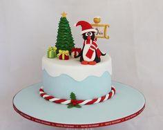 Penguin Christmas cake by Craftsy member Diana Taylor Fondant Christmas Cake, Christmas Birthday Cake, Christmas Tree Cake, Christmas Cake Decorations, Holiday Cakes, Christmas Baking, Xmas Cakes, Birthday Cakes, Cake Decorating With Fondant