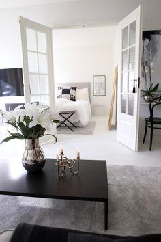 Homevialaura | Classic livingroom | French doors | Georg Jensen | Svenskt Tenn Vänskapsknuten