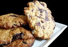 Süss édes kekszet a délutáni kávéhoz! Nagy részüket még nyújtani sem kell, csak kiskanállal kiporciózni a tepsire, és mehet a sütőbe!