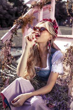 We-Are-Flowergirls-Country-Collection-Flowercrown-Rosa-€159,- #dirndl #dirndlfrisur #trachtenfrisur #flowercrown #blumenkranz #wiesn #wiesnfrisur Round Sunglasses, Sunglasses Women, Flower Crown, Country, Collection, Fashion, Pink, Floral Wreath, Flower Headdress