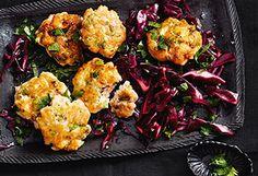 Lachslaibchen mit Rotkrautsalat