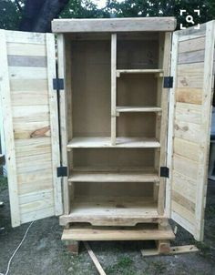 DIY Pallet Cabinet for a Big Storage This DIY pallet cabinet is a very rare, genuine and functional example of pallet wood recycling and reclaiming and contains all features to over take your Diy Furniture Chair, Recycled Wood Furniture, Recycled Pallets, Diy Pallet Furniture, Furniture Projects, Wood Pallets, Pallet Wood, Furniture Storage, Kitchen Furniture