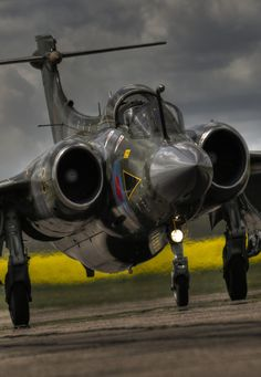 """puntovenezolano: """" Blackburn Buccaneer """" The chunkiest landing gear I've seen on a warbird yet, but then again, it was needed to land so violently on small carriers. Jet Fighter Pilot, Air Fighter, Fighter Jets, Air Force Aircraft, Fighter Aircraft, Military Jets, Military Aircraft, Blackburn Buccaneer, Helicopter Cockpit"""