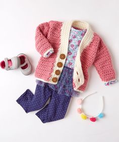 Crochet Cutie Baby Cardigan Free Crochet Pattern in Red Heart Soft Essentials Yarn -- This cardigan is perfect for any baby in your life. The bulky hand of Soft Essentials means it works up quickly for you, and is nice and cozy for baby. We love this card Cardigans Crochet, Crochet Baby Cardigan Free Pattern, Crochet Baby Jacket, Gilet Crochet, Knitted Baby Cardigan, Baby Pullover, Baby Girl Crochet, Crochet Baby Booties, Crochet For Kids