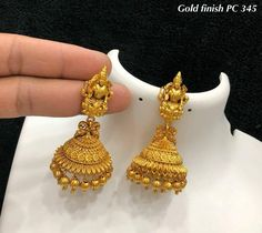 Gold Jewelry Design In India Gold Bangles Design, Gold Earrings Designs, Gold Jewellery Design, Necklace Designs, Gold Jhumka Earrings, Indian Earrings, Gold Necklace, Italian Gold Jewelry, Indian Wedding Jewelry