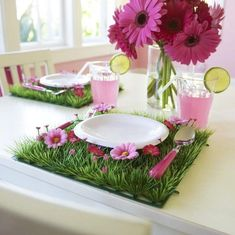 Enchant and captivate with this divine pink flower & toadstool grass table mat!  Place them in a row and style your dessert table, use at each place setting for your little guests at a birthday party or set up your very own fairy garden corner in your little girls bedroom or playroom - a multitude of uses and absolutely irresistible!...