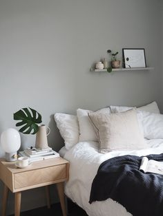 32 Minimalist Scandinavian Style Bedroom Design Ideas - The principal thing to mull over when purchasing a bureau is the sort of wood you need the cabinet unit to be made. This will influence its color as w. White Bedroom Set, Bedroom Green, Bedroom Sets, Bedroom Decor, Cosy Bedroom, Grey Bedrooms, Bedroom Beach, Scandinavian Style Bedroom, Scandinavian Bedroom