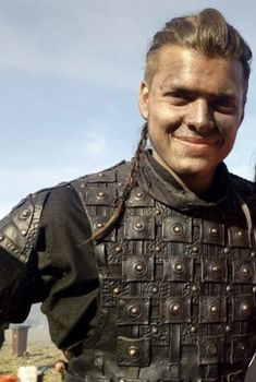 Vikings Ragnar, Vikings Tv Show, Lagertha, Ivar The Boneless, Alex Hogh Andersen, Attractive Men, Jon Snow, Tv Series, Hot Guys