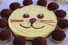 Löwentorte Torte Kindergeburtstag Kindergeburtstag Partyrezepte Thermomixrezepte Löwentorte Dschungelparty The post Löwentorte appeared first on Kindergeburtstag ideen. Cupcakes, Lion Cakes, Food Humor, Kids Meals, Cake Recipes, Party Recipes, Birthday Parties, Cake Birthday, Food And Drink