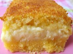 Yet another Brazilian delicious tradition! This is a great coffee cake! PS: fuba is better known as tapioca. Sweet Recipes, Cake Recipes, Sweet Corn Cakes, Baker Cake, Portuguese Recipes, Spanish Recipes, Portuguese Food, Spanish Food, Love Cake