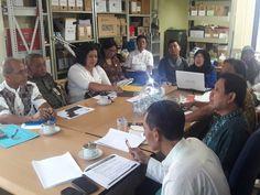Para peserta menyimak pemaparan Pajak Bumi dan Bangunan oleh kepala UPPD Senen Ibu Yati RochyatiPara peserta menyimak pemaparan Pajak Bumi dan Bangunan oleh kepala UPPD Senen Ibu Yati Rochyati