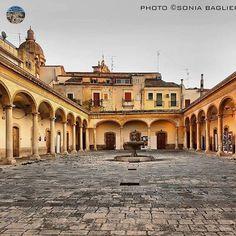 Comiso (RG) Foto di Sonia Baglieri http://www.lasiciliadimontalbano.com/ Instagram: @sonia.baglieri #lasiciliadimontalbano #luoghidimontalbano