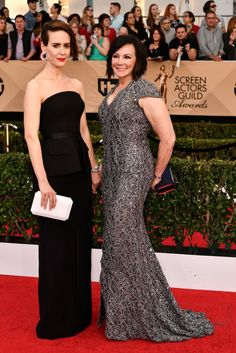 Sarah Paulson in Vera Wang with Marcia Clarke in Pamella Roland.