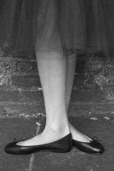 London Sole Pirouette black leather ballet flats