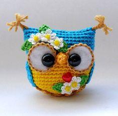 inspiration only - no instructions Owl Crochet Patterns, Crochet Birds, Crochet Doll Pattern, Crochet Animals, Amigurumi Patterns, Crochet Crafts, Yarn Crafts, Crochet Flowers, Crochet Projects