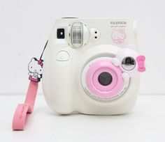 Hello Kitty Fuji Instax Mini 7 Multi Lens (2set). AAAARGH! this is only the lens...where do I get the camera? I love this!