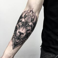 Fresh Blackwork Wrist Tattoo From Otheser! #dotwork #blackwork #lion #wrist #arm #geometry #geometrical #dotism