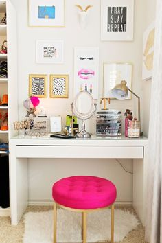 Delicieux Gallery Wall Inspiration, Gallery Wall Idea, Vanity Table Gallery Wall,  Girly Gallery Wall