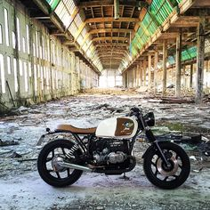 """Here we have one sweet BMW scrambler/tracker by Honor Motorcycles of Galicia, Spain. The """"Honor"""" brand was established by the owner's grandfather, Honorino Mendez--an accomplished cyclist and aircraft worker--and the Honor name has graced [. Scrambler Motorcycle, Moto Bike, Bmw Motorcycles, Custom Motorcycles, Custom Bikes, Bmw S1000rr, Bmw R65, R80, Cafe Bike"""