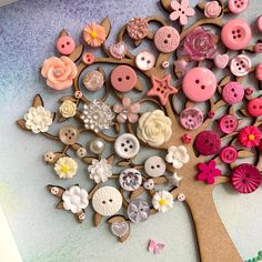 The Pink Button Tree Button Art Tree wall Art Pink Ombre | Etsy Button Tree Art, Button Wall Art, Button Art Projects, Button Crafts, Diy Buttons, Vintage Buttons, Buttons Ideas, Pinterest Diy Crafts, Butterfly Tree
