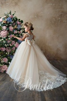 Vintage couture ivory champagne flower girl communion dress christmas party junior bridesmaid dress - Junior Dresses - Ideas of Junior Dresses Girls Communion Dresses, Baptism Dress, Birthday Dresses, White Flower Girl Dresses, Lace Flower Girls, Princess Ball Gowns, Princess Wedding Dresses, Dress Wedding, Pageant Dresses