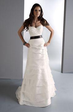 one of my fav wedding dresses<3