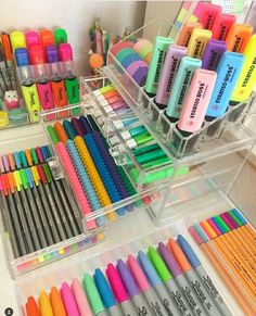 Double tap if you NEED to get your hands on one of these Kmart makeup storage units! Double tap if you NEED to get your hands on one of these Kmart makeup storage units! Stationary Store, Stationary School, School Stationery, Cute Stationery, Stationary Supplies, Cute Desk Organization, Diy Organisation, Stationary Organization, Makeup Storage Units