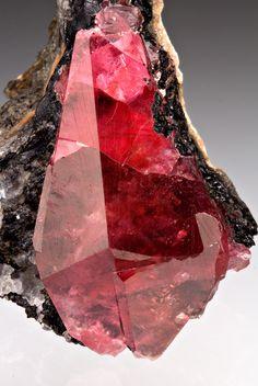 Gem quality Rhodochrosite ۩۞۩۞۩۞۩۞۩۞۩۞۩۞۩۞۩ Gaby Féerie créateur de bijoux à thèmes en modèle unique ; sa.boutique.➜ http://www.alittlemarket.com/boutique/gaby_feerie-132444.html ۩۞۩۞۩۞۩۞۩۞۩۞۩۞۩۞۩