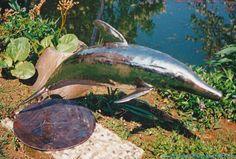 Schwingskulptur Delfin.