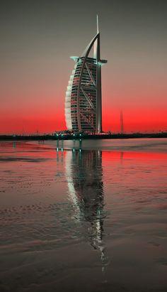 """500px / Photo """"The Burj"""" by Sandeep Babu. Puedo coleccionar todas las fotos del mundo de este lugar...."""