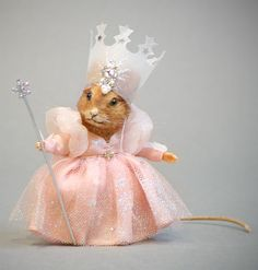 Glinda Mouse by R. John Wright at The Toy Shoppe